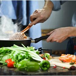 Billede af madlavning med grøntsager